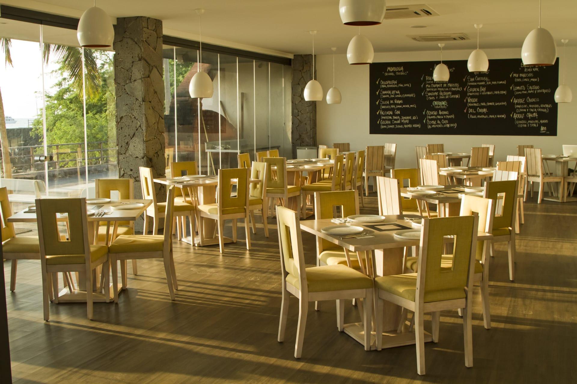 Restaurant Golden Bay San Cristobal