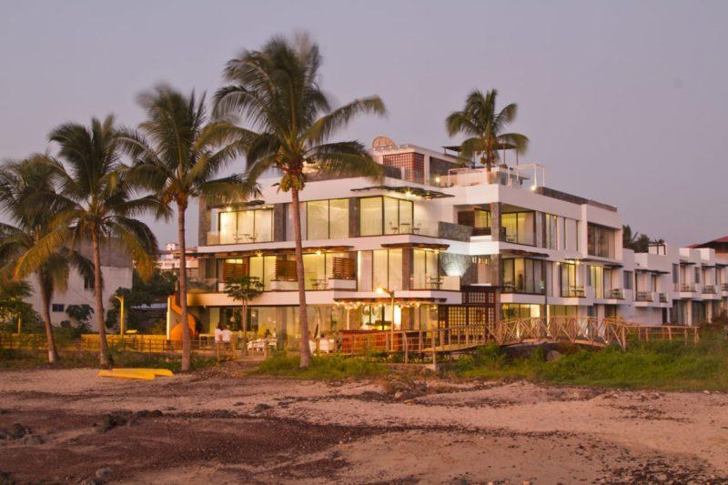 Bijzondere Accommodatie Galapagos Golden Bay Hotel En Spa