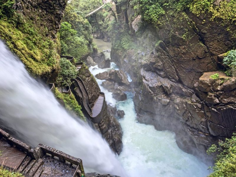 Waterval Pailon Del Diablo In Banos Ecuador