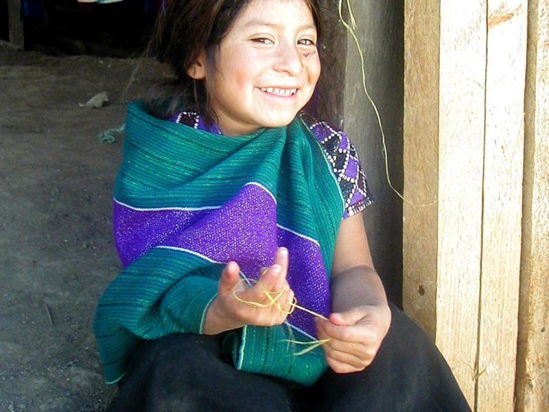 Mexico Glimlachend Meisje In Zinacatan