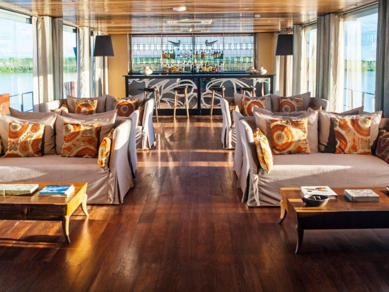 Lounge En Bar Van De Aria Cruise