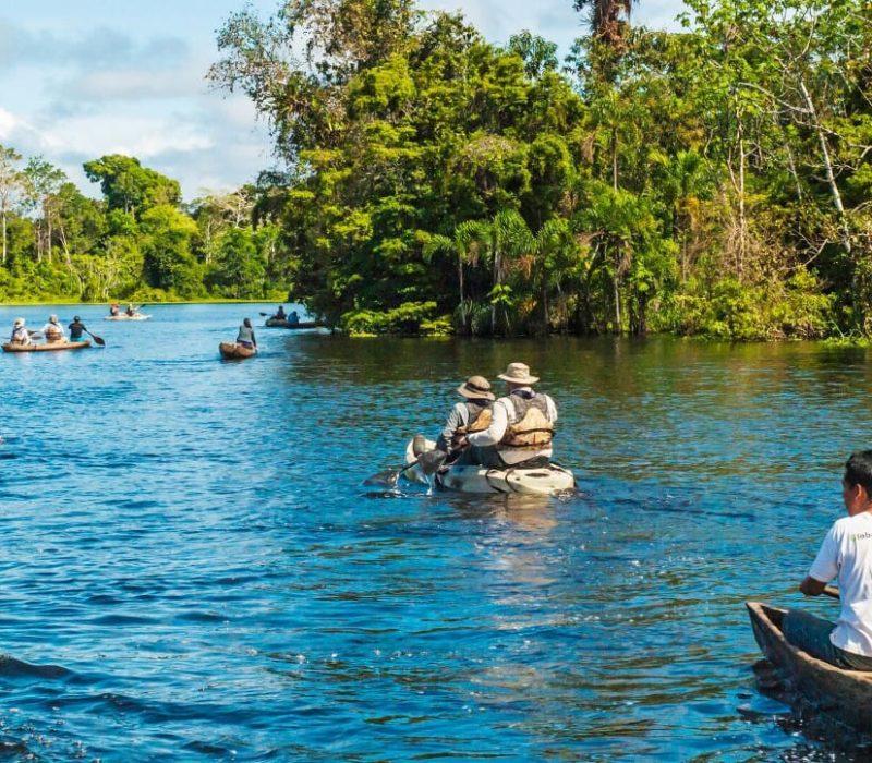 Kajakken Over De Amazone Rivier