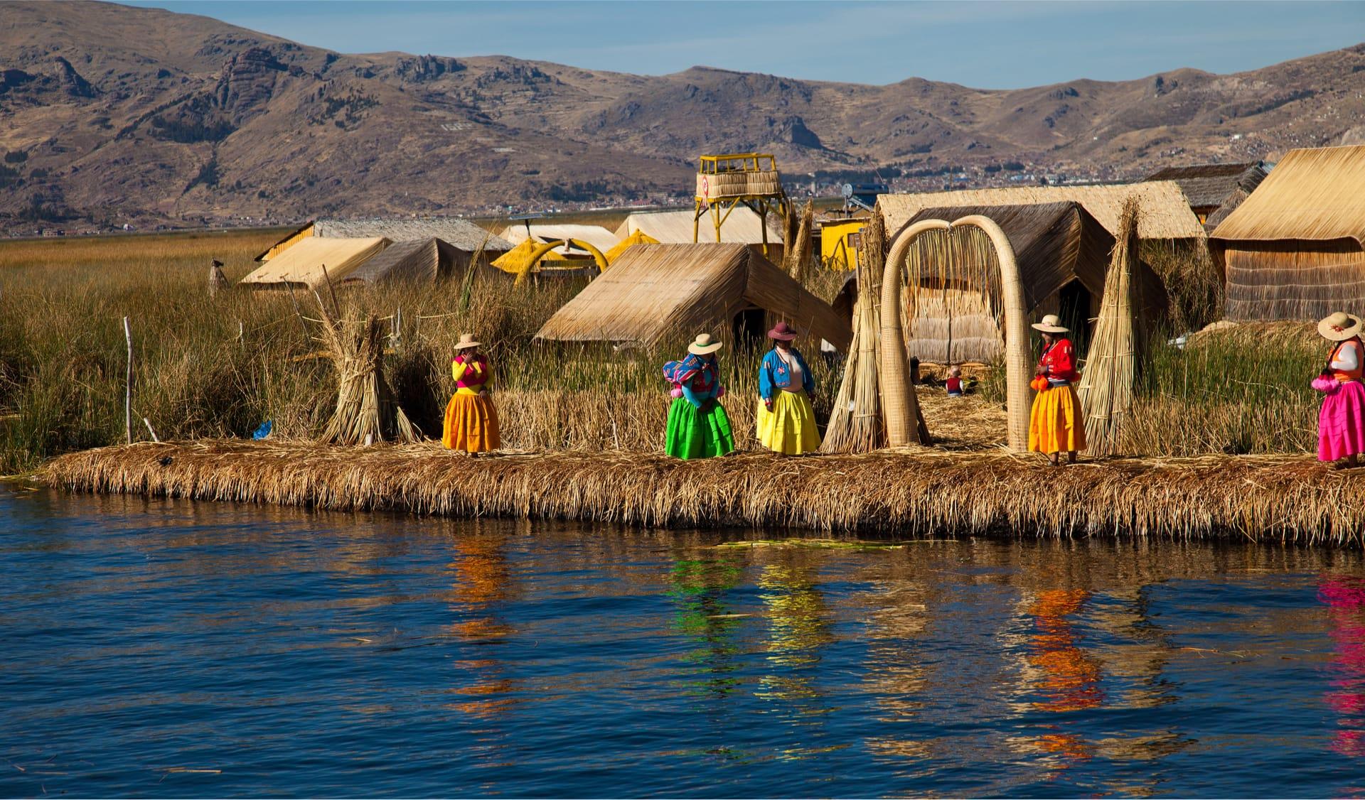 Drijvende Rieteilanden Uros Op Het Titicacameer In Peru