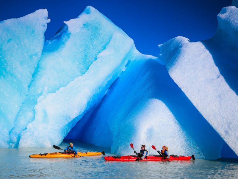 Kajakken Langs De Gletsjers