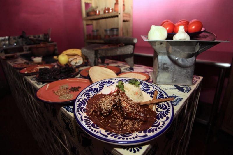 Luxe Reis Mexico Puebla Mole Poblano