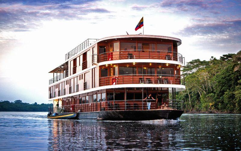 Riviercruise In De Amazone Van Ecuador Met Anakonda
