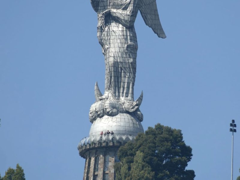 Quito_Virgen_del_Panecillo