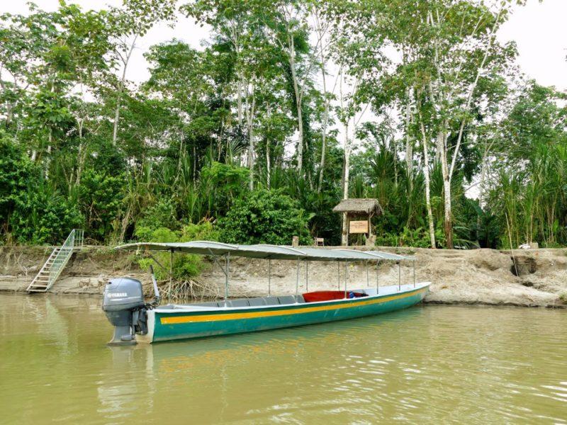 Kanovaren In De Amazone In Ecuador Bij Napo Cultural Center