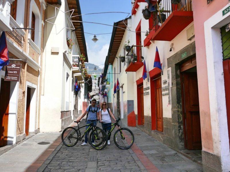 Fietsen In Quito En Stop Bij Calle La Ronda