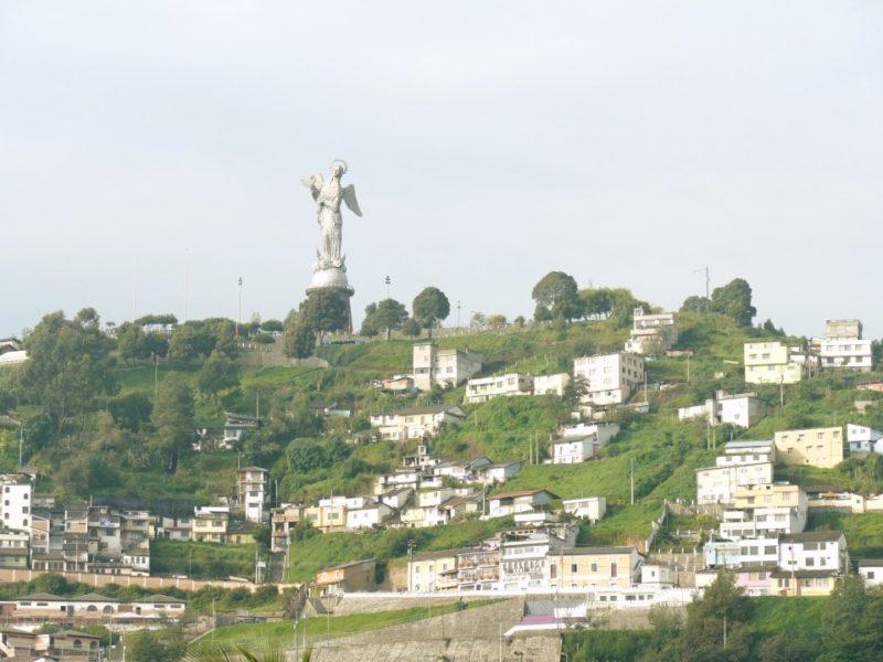 Virgen Del Panecillo Quito