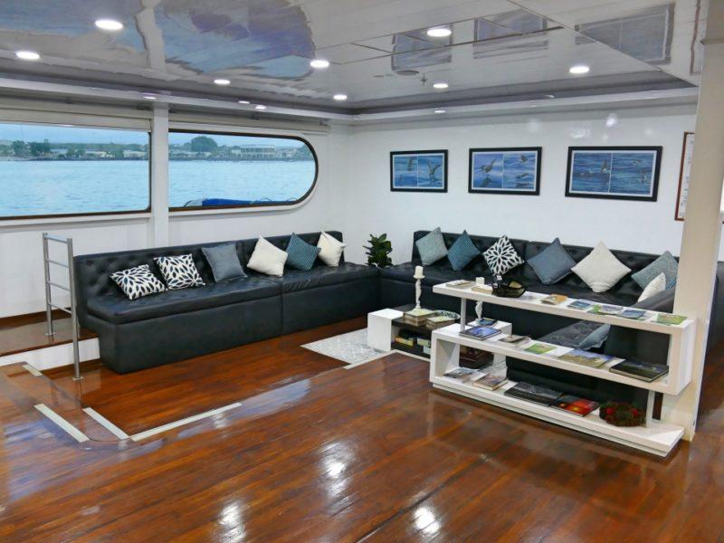 Luxe Galapagoscruise Petrel Lounge