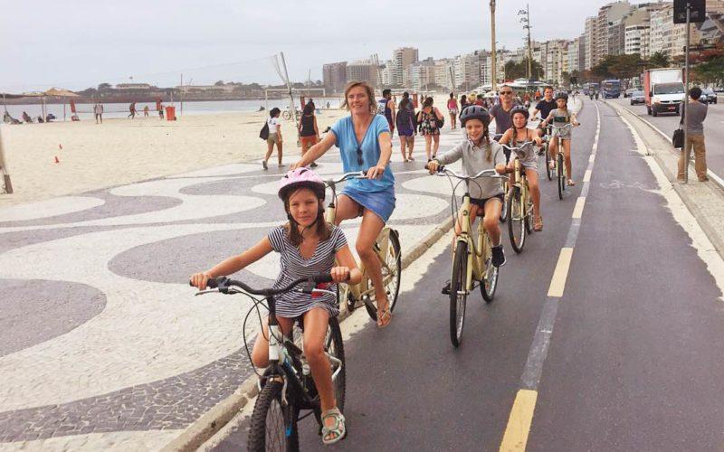 Fietsen Met De Familie In Rio De Janeiro