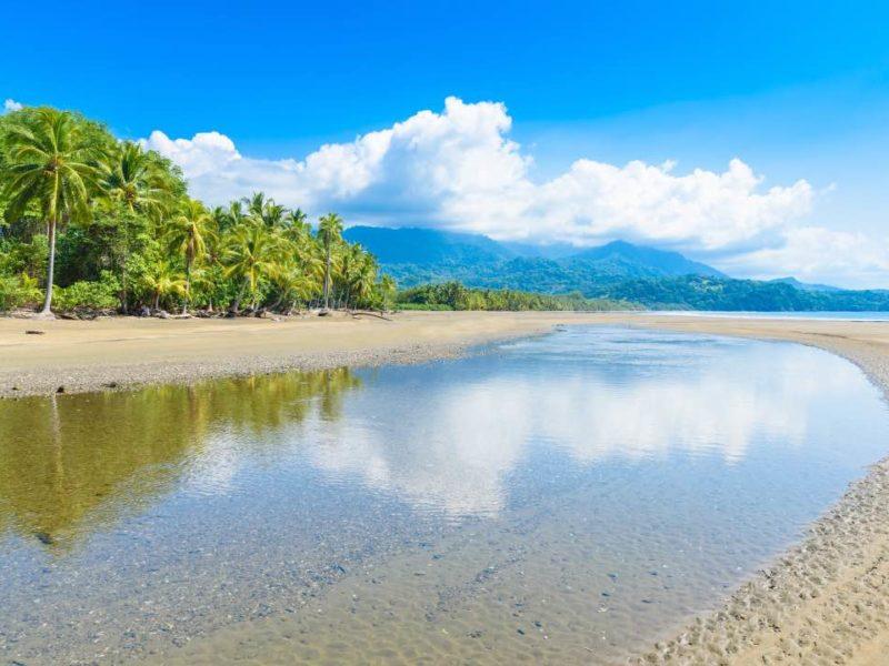 Het Strand In Uvita In Costa Rica